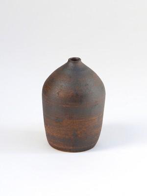 ceramic-vase-by-amy-dov
